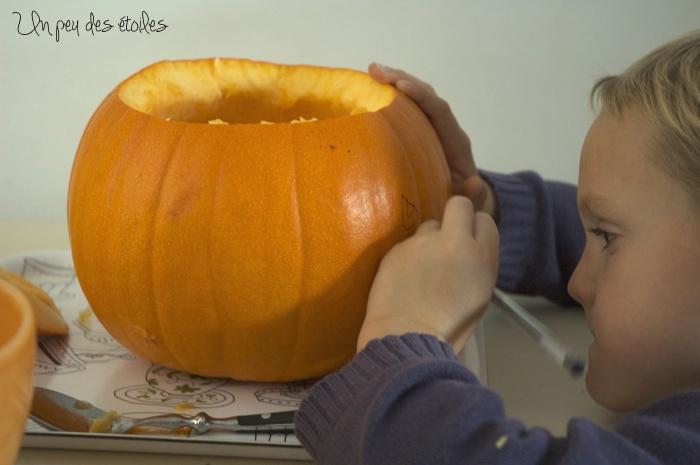 halloween-citrouille-dessin-dessus