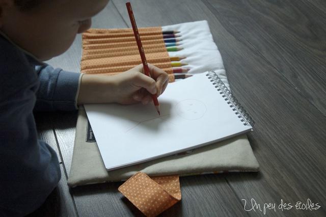 pochette-dessin-dino-enfant